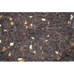 Blutorangen-Tee mit Schalen