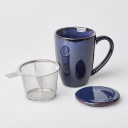 Teetasse mit Siebeinsatz und Deckel
